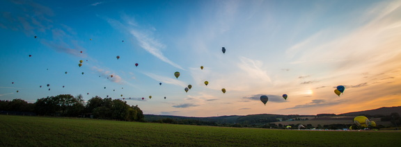 hot-air-balloon-3648821